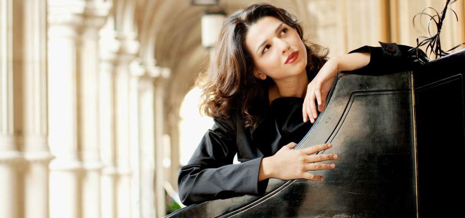 Khatia-Buniatishvili-11-marzo-2015-concerto-pianoforte-Torino-Unione-Musicale-col01