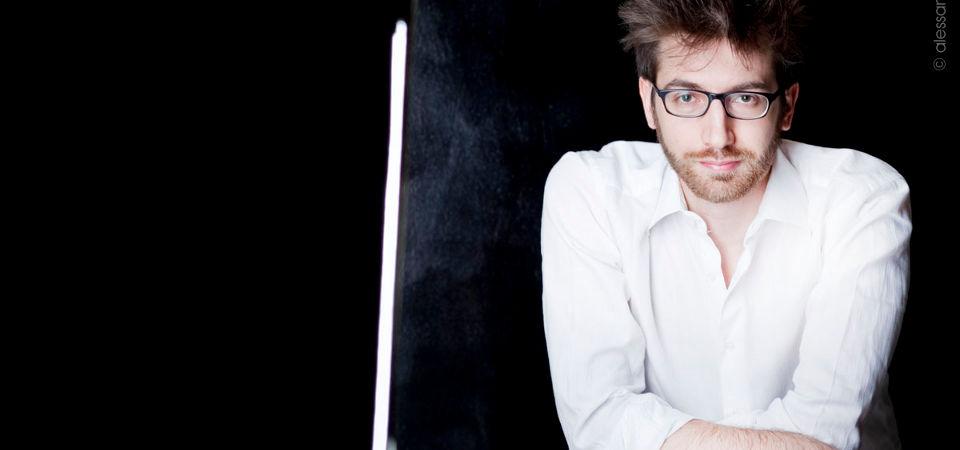 Gabriele-Carcano-01-febbraio-2015-concerto-pianoforte-Torino-Unione-Musicale-col01