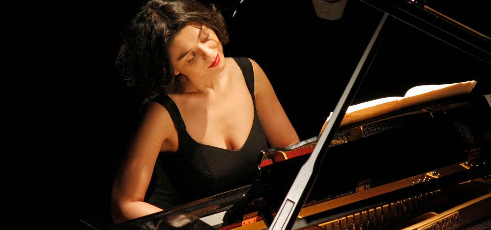 Khatia-Buniatishvili-11-marzo-2015-concerto-pianoforte-Torino-Unione-Musicale-col08SLIDER