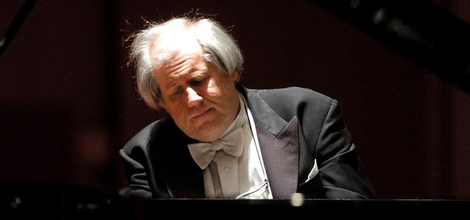 Grigory-Sokolov-21-ottobre-2015-concerto-pianoforte-Torino-Unione-Musicale-col01SLIDE